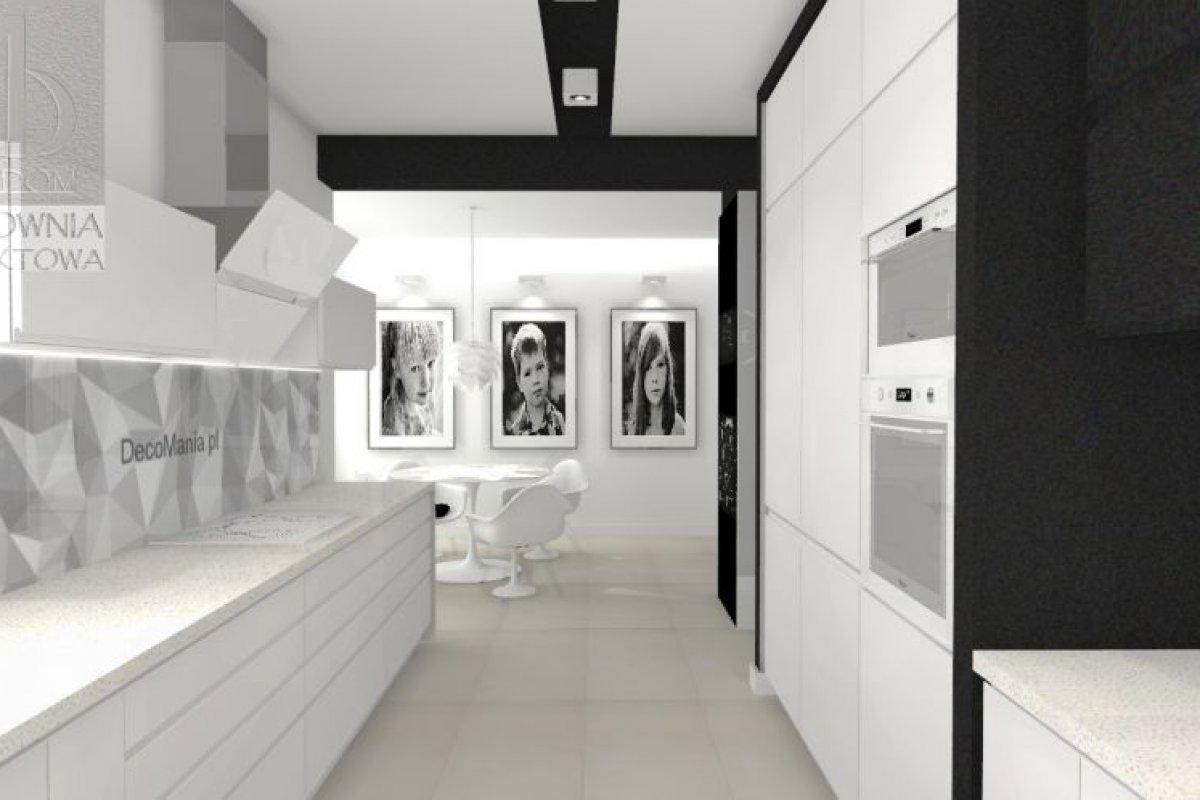 Dom biało – czarny z atmosferą